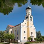 Außenansicht der Wallfahrtskirche Mater Dolorosa im Ortsteil Engelswies