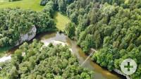 Luftbild des Fürstlichen Parks Inzigkofen mit Amalienfelsen, Eremitage und Hängebrücke. Foto: Moritz Futterer